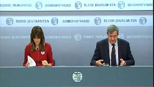 Rueda de prensa de la portavoz del Gobierno Vasco, Idoia Mendia, y del consejero de Economía y Hacienda, Carlos Aguirre [51:59]