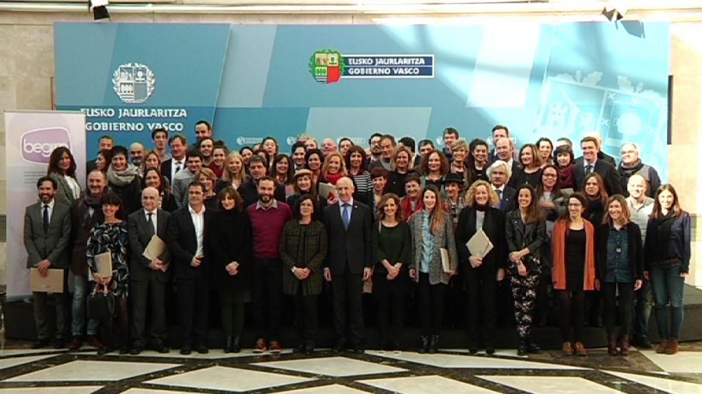 Euskadiko 48 hedabide eta publizitate agentziek komunikazio eta publizitate ez-sexistako kode deontologiko bat betetzeko konpromisoa hartu dute