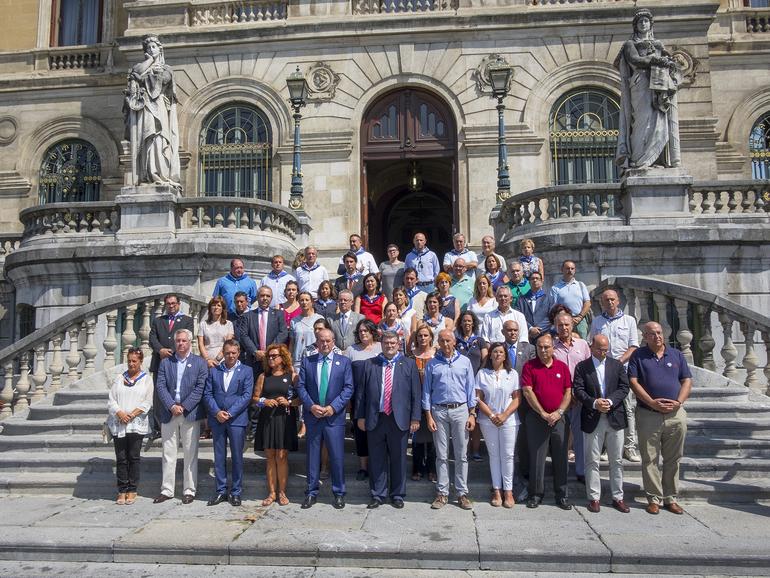 Concentración de repulsa por las agresiones sexistas convocada por el Ayuntamiento de Bilbao