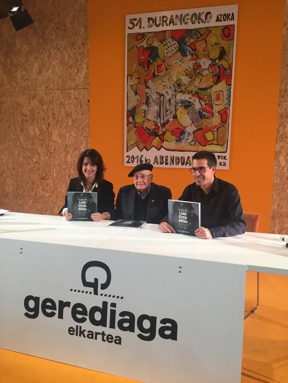 """El instituto Gogora presenta el primer libro de la colección """"Memoriak"""": """"El siglo de Luis Ortiz Alfau"""""""