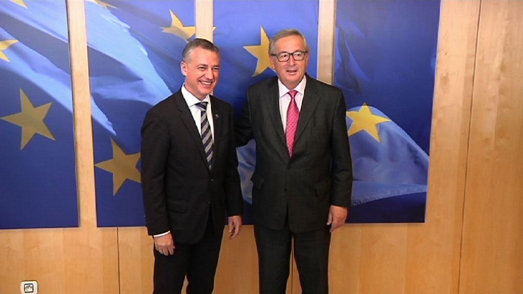 """El Lehendakari expone a Juncker la disposición de Euskadi a participar en la construcción de la Europa del futuro """"de abajo a arriba"""""""