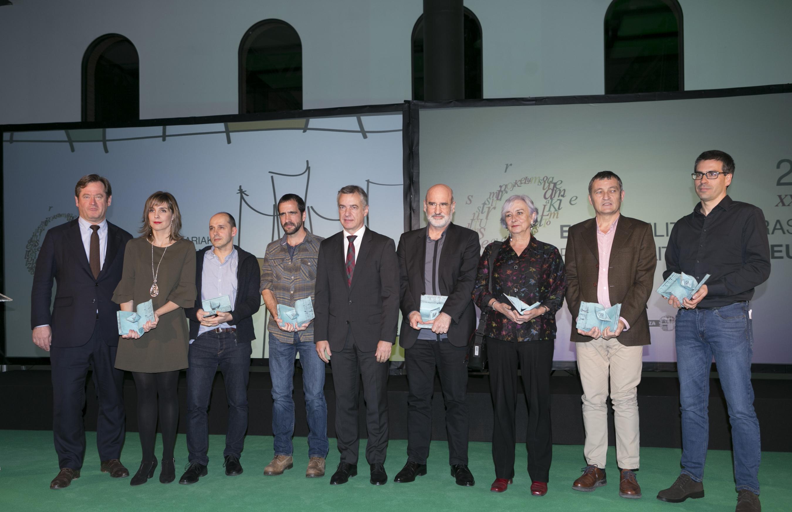 El Lehendakari Iñigo Urkullu ha presidido la gala de entrega de los Premios Euskadi de Literatura de este año