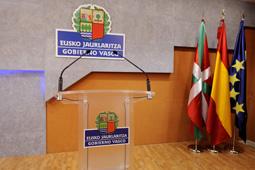 """Euskadi dispondrá en 2011 de una red de recarga de vehículos eléctricos, """"pionera"""" en España [37:56]"""