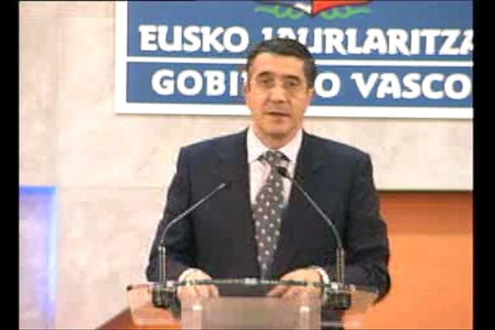 """Los Presupuestos de 2010 """"ponen las bases de la nueva economía vasca"""" [14:59]"""