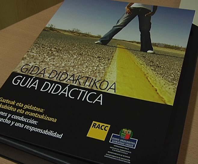 """La Dirección de Tráfico presenta el material educativo """"Jóvenes y conducción: un derecho y una responsabilidad"""" [1:03]"""