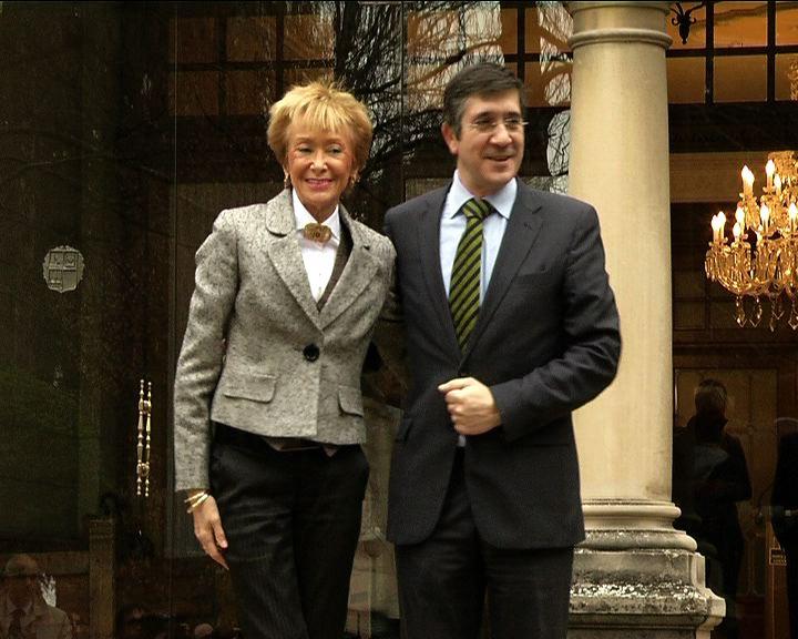 """El Lehendakari aprovechará la Cumbre Europea de Competitividad para """"hacer notar"""" la voz de Euskadi en Europa [1:39]"""