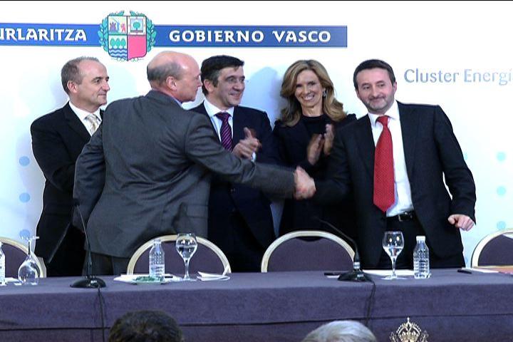 El Cluster de Automoción y el Cluster de Energía firman un convenio para desarrollar el vehículo eléctrico en Euskadi [0:59]