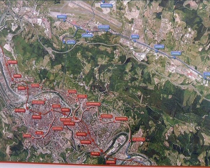 Lehendakariak Bilboko Metroaren 3. Linearen Txurdinaga-Zazpi Kaleak-Uribar tarteen lehenengo harria jarri du [1:09]