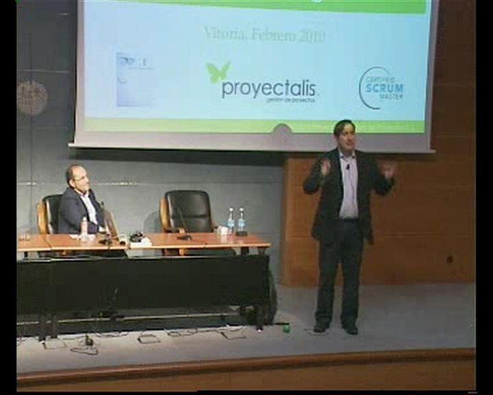 """Ángel Medinilla habla sobre """"Gestión ágil de proyectos"""" en el ciclo de talleres de innovación pública [111:34]"""