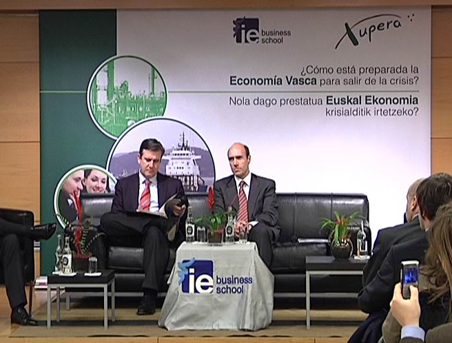 El consejero de Industria participa en una mesa redonda sobre la crisis en la economía vasca [1:13]