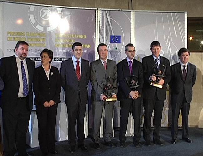 El Lehendakari preside los Premios de Medio Ambiente a la empresa [0:35]