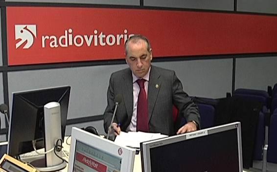 Arriola Radio Vitorian elkarrizketatua