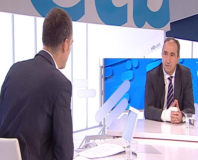 El viceconsejero de Interior del Gobierno Vasco entrevistado en ETB2 [15:25]