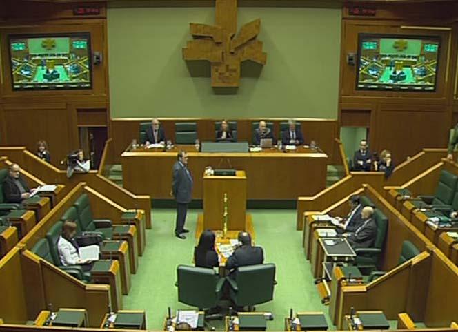 """El Lehendakari aboga por un debate """"profundo y sereno"""" sobre las políticas fiscales y los servicios públicos [0:33]"""
