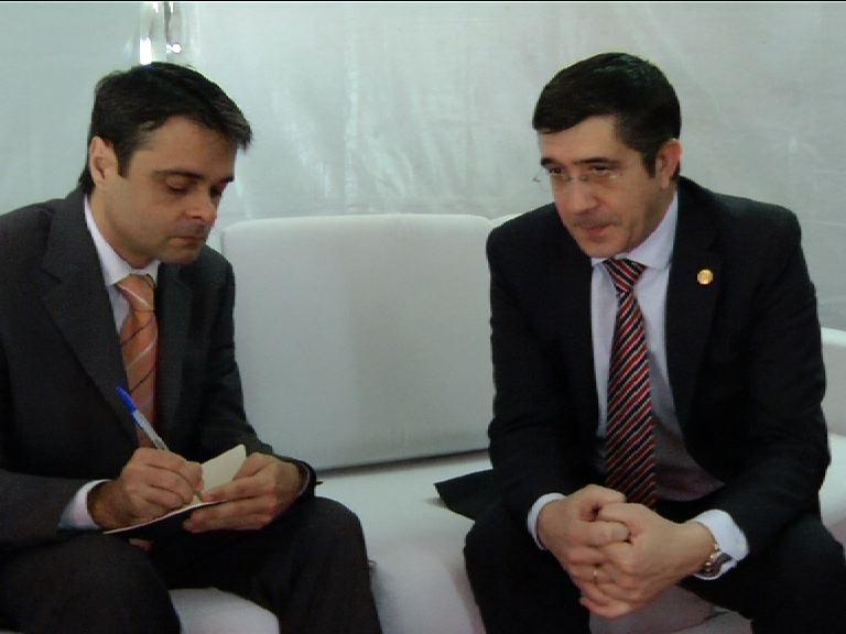 """""""ETA está en fase terminal"""" asegura el Lehendakari en una entrevista al Periódico brasileño Valor Económico [20:29]"""