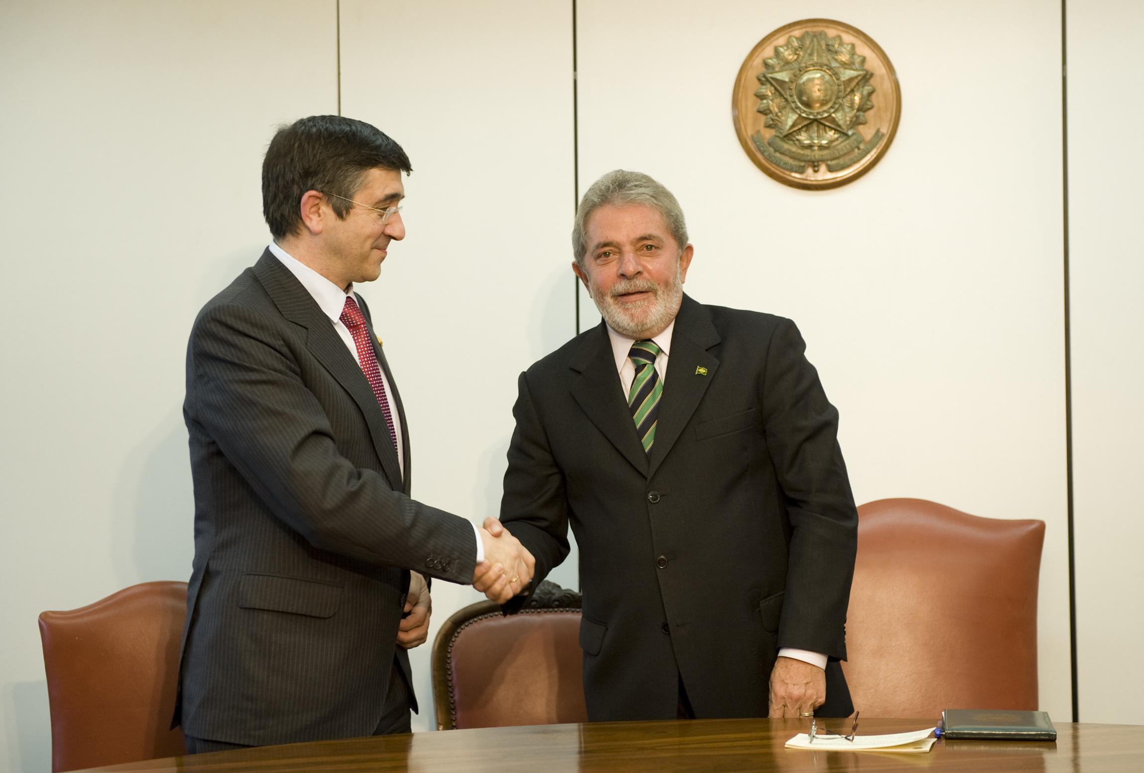 """El Lehendakari califica a Lula Da Silva de """"referente"""" para los gobiernos de izquierdas [1:25]"""