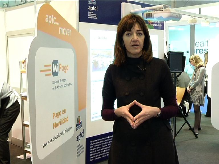 Idoia Mendia visits the Basque Government stand at TECNIMAP [3:51]