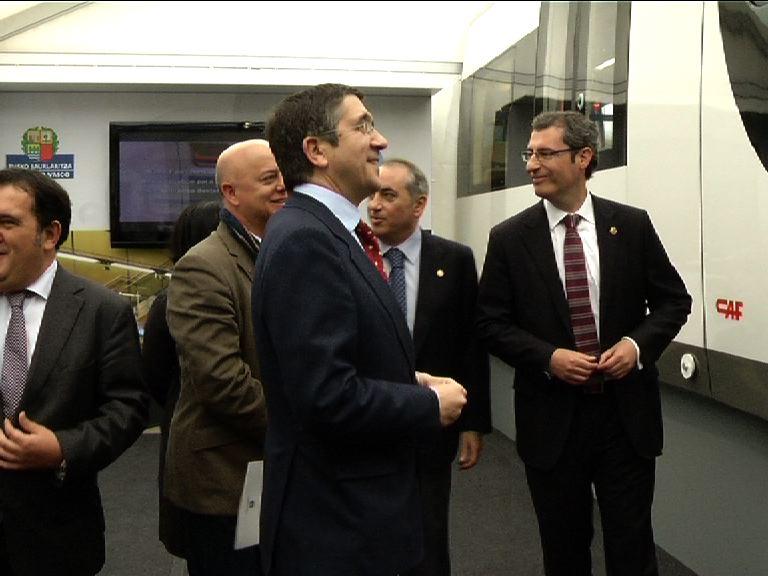 El Gobierno Vasco presenta las nuevas unidades de Euskotren [1:49]