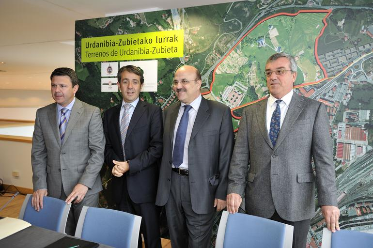Firma de un acuerdo para realizar un estudio de viabilidad de la posible ampliación del Parque Tecnológico de San Sebastián