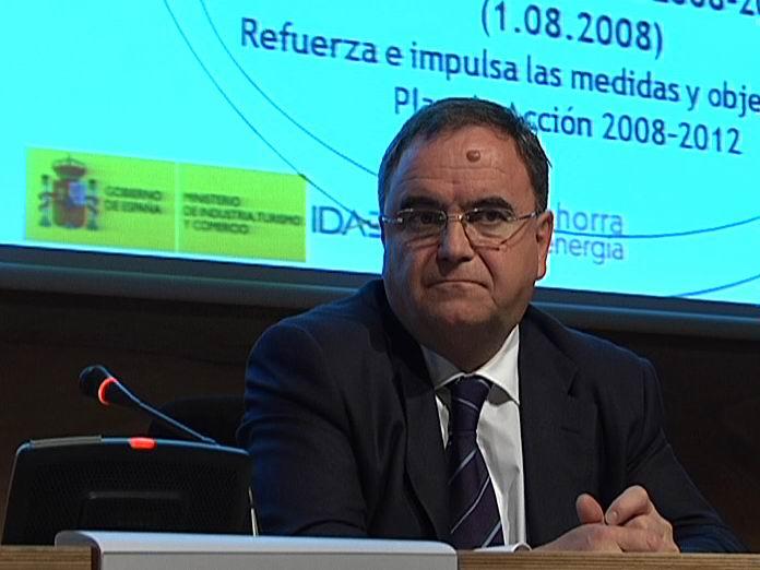 Jornada de presentación de las Ayudas IDAE a proyectos estratégicos de inversiones en ahorro y eficiencia energética [0:37]