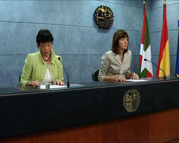 """""""Reducir el déficit y generar empleo"""", objetivos del """"paquete de medidas"""" que prepara el Gobierno Vasco contra la crisis [2:36]"""