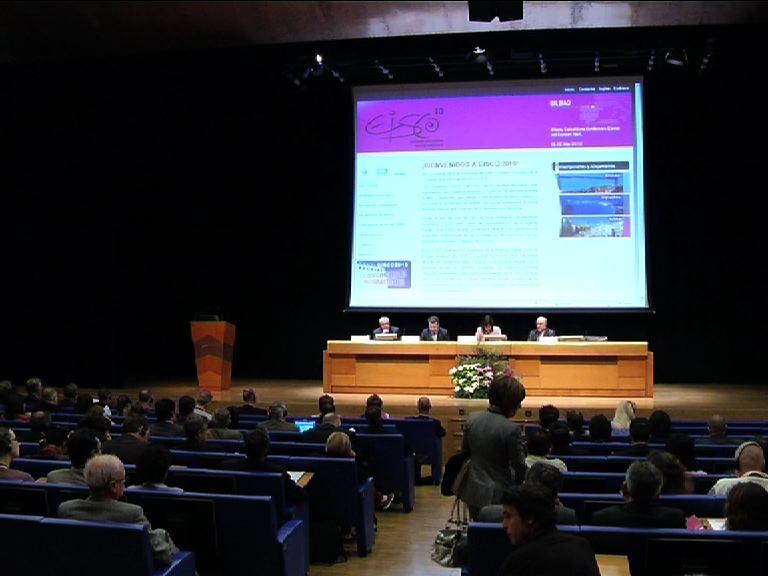 """El Gobierno Vasco aprobará un Plan de Innovación para conseguir el """"pleno desarrollo de los servicios públicos electrónicos"""" al final de la legislatura [1:43]"""