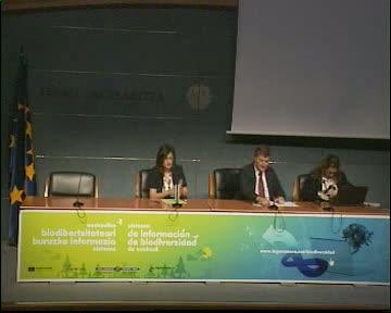 Pilar Unzalu ratifica el compromiso del Gobierno Vasco con la preservación y la recuperación de la biodiversidad [110:21]