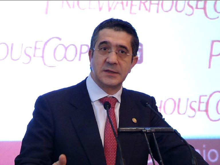 """El Lehendakari insta a las diputaciones y ayuntamientos a adoptar """"los mismos criterios de ajuste"""" que el Gobierno Vasco [0:23]"""