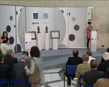 Aguirresarobe y Urmeneta reciben el Premio Vasco Universal 2009 [43:42]