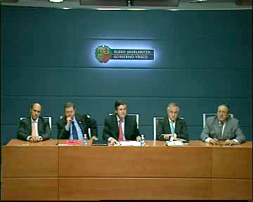 El Gobierno Vasco y Confebask (Adegi, Cebek y SEA) colaborarán en el desarrollo de la nueva política de competitividad 2010-2013  [20:21]