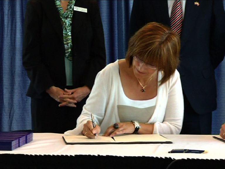 El Gobierno Vasco renueva el Programa de Estudios Vascos de la Universidad de Boise hasta 2015 [1:00]
