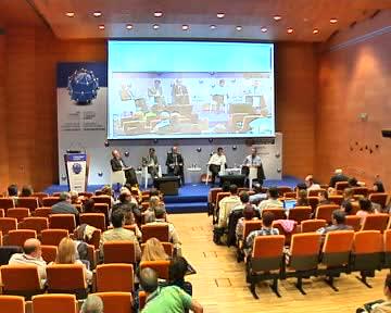 Mesa redonda: Ramón Jauregi, Diego López Garrido, Carlos Trevilla, Carlos Mancisidor, Angel José Sánchez Navarro en el IV Congreso de Derechos Humanos [99:14]