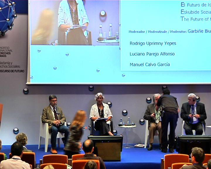 Ponencias de Rodrigo Uprimny, Luciano Parejo, Manuel Calvo en el IV Congreso de Derechos Humanos [128:56]