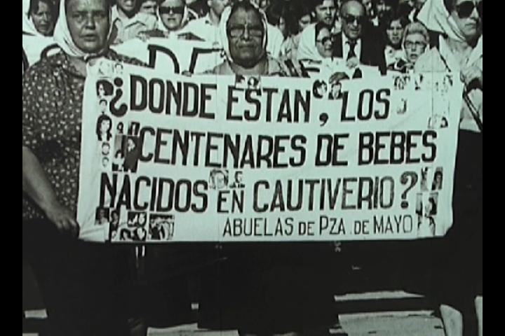 La Delegada Elvira Cortajarena asistió al aniversario de las Abuelas de Plaza de Mayo [0:46]