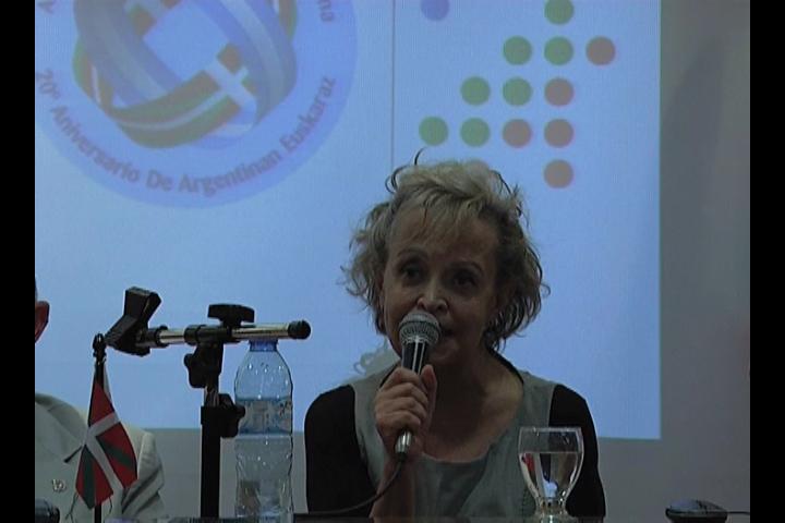Julián Celaya, Elvira Cortajarena y Aizpea Goenaga se reunieron con los representantes de la colectividad vasca en Argentina [2:25]