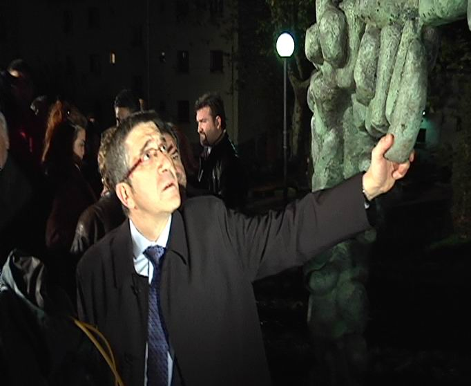 """El Lehendakari aboga por """"mantener la firmeza democrática"""" para vencer al terrorismo """"con la palabra"""" [1:30]"""