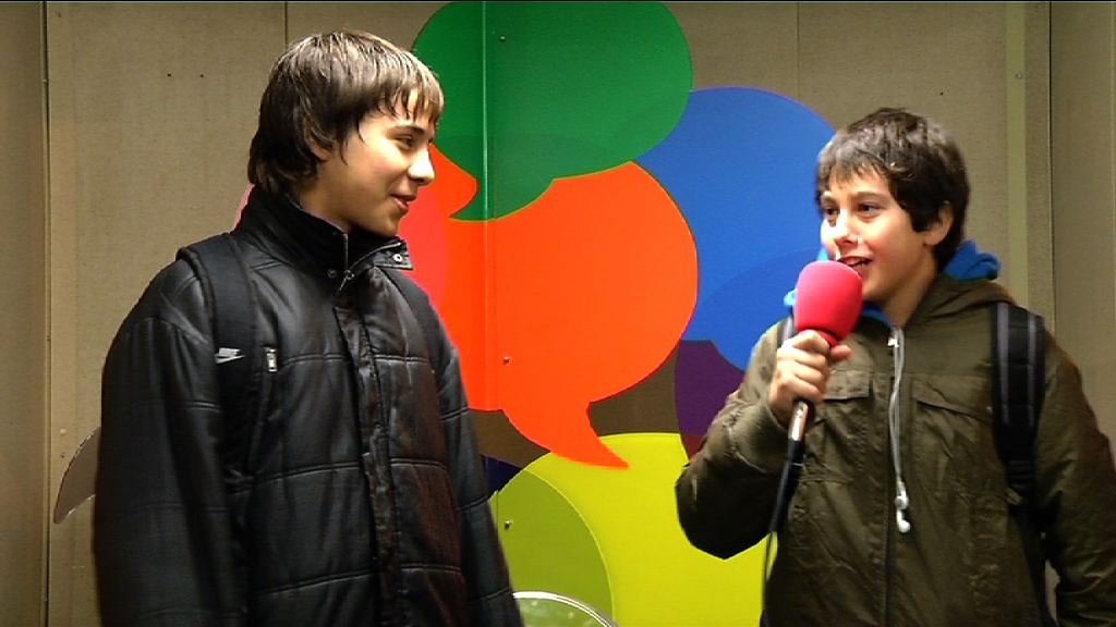Critica al sistema educativo de Vitoria (Irekia Speaker´s Corner Vitoria-Gasteiz) [0:55]