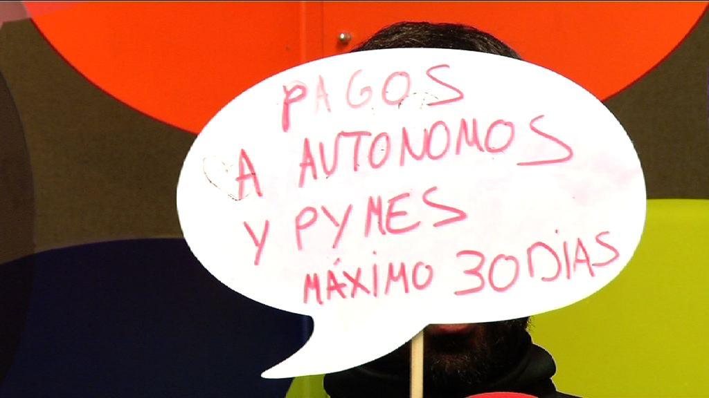 Autonomoei eta enpresa txiki eta ertainei gehienera 30 eguneko epean ordaintzea (Irekia Speaker´s Corner Bilbao) [0:06]