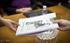 Idoia Mendiak Gerra Zibilean fusilatutako senar-emazte baten gorpuzkiak entregatu ditu