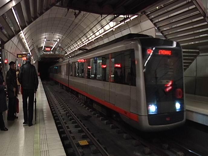 """Impulsar acuerdos entre las instituciones permitirá que Metro Bilbao llegue """"a todas partes (XV. Aniversario de Metro Bilbao) [1:25]"""