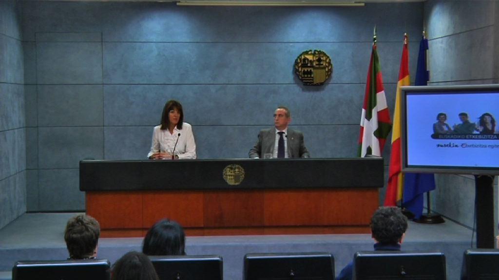 Rueda de prensa de la portavoz del Gobierno Vasco tras el Consejo de Gobierno [24:06]