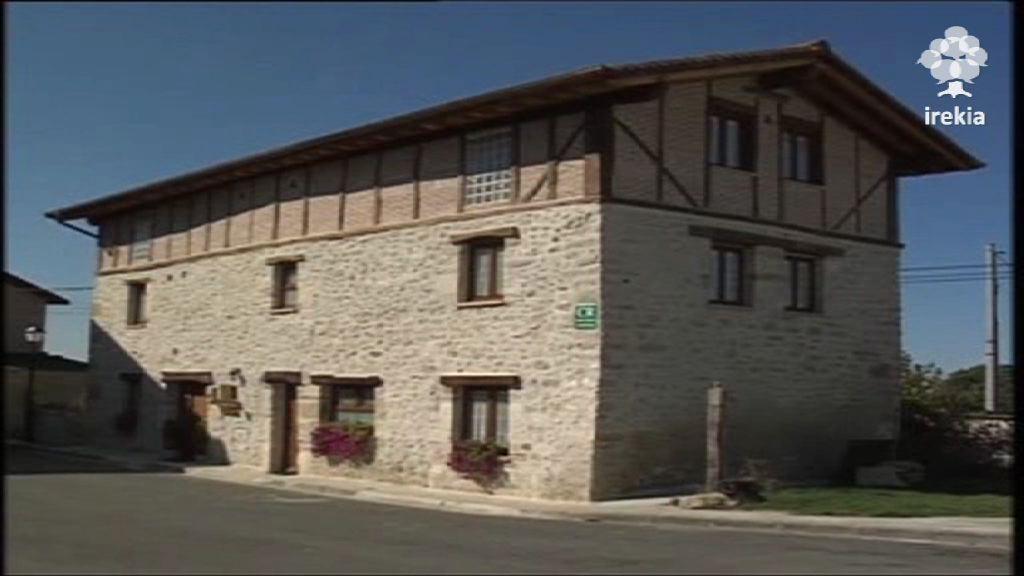 En 2010 Euskadi mejoró en un 7% el anterior récord en la llegada de turistas, de 2007 [1:53]