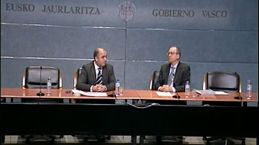 Idoia Mendia y el notario Juan Ignacio Gomeza abren el Curso de Fundaciones del Gobierno Vasco [76:21]