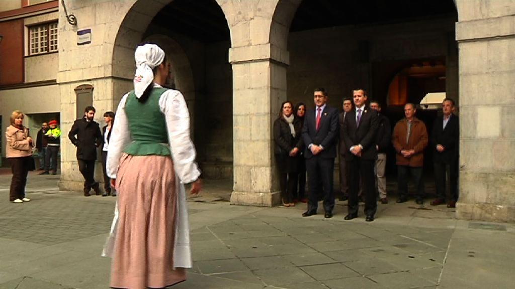 El Lehendakari se acerca a Tolosa para conocer su evolución y proyectos  [1:32]