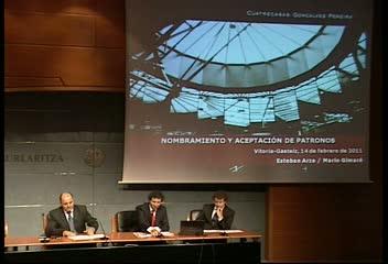 Esteban Arza y Mario Guimaré disertan sobre la aceptación del cargo de patrono en el Curso de Fundaciones del Gobierno Vasco [116:57]