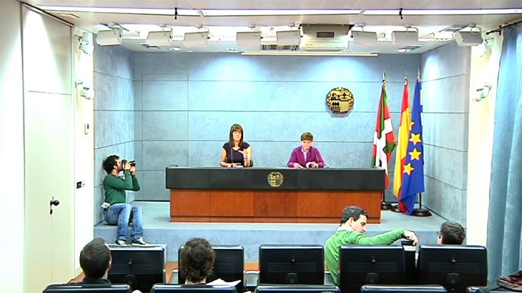 Rueda de prensa de la portavoz del Gobierno Vasco tras el Consejo de Gobierno [30:08]