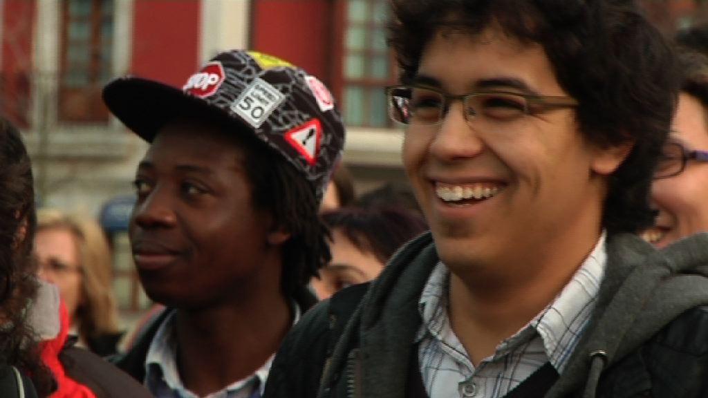 Euskadi se para contra el racismo [0:57]