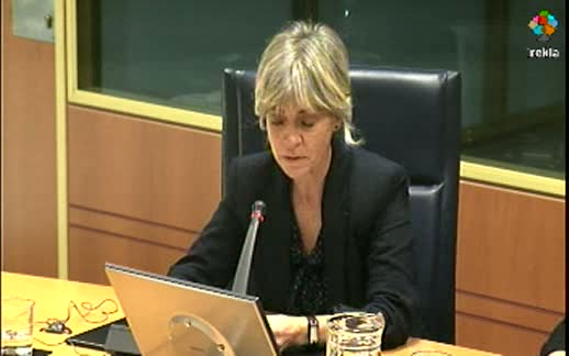 Comparecencia: Directora de Derechos Humanos.  (6-04-2011) 1ª parte [14:53]