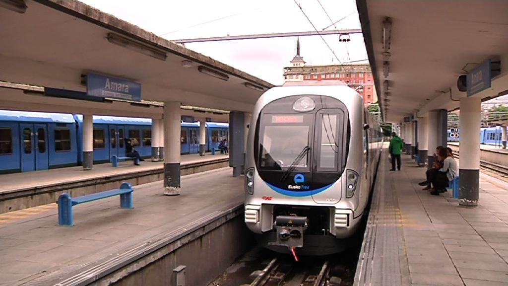 Los nuevos trenes de Euskotren hacen su primer viaje de prueba entre San Sebastián y Hendaia [3:48]