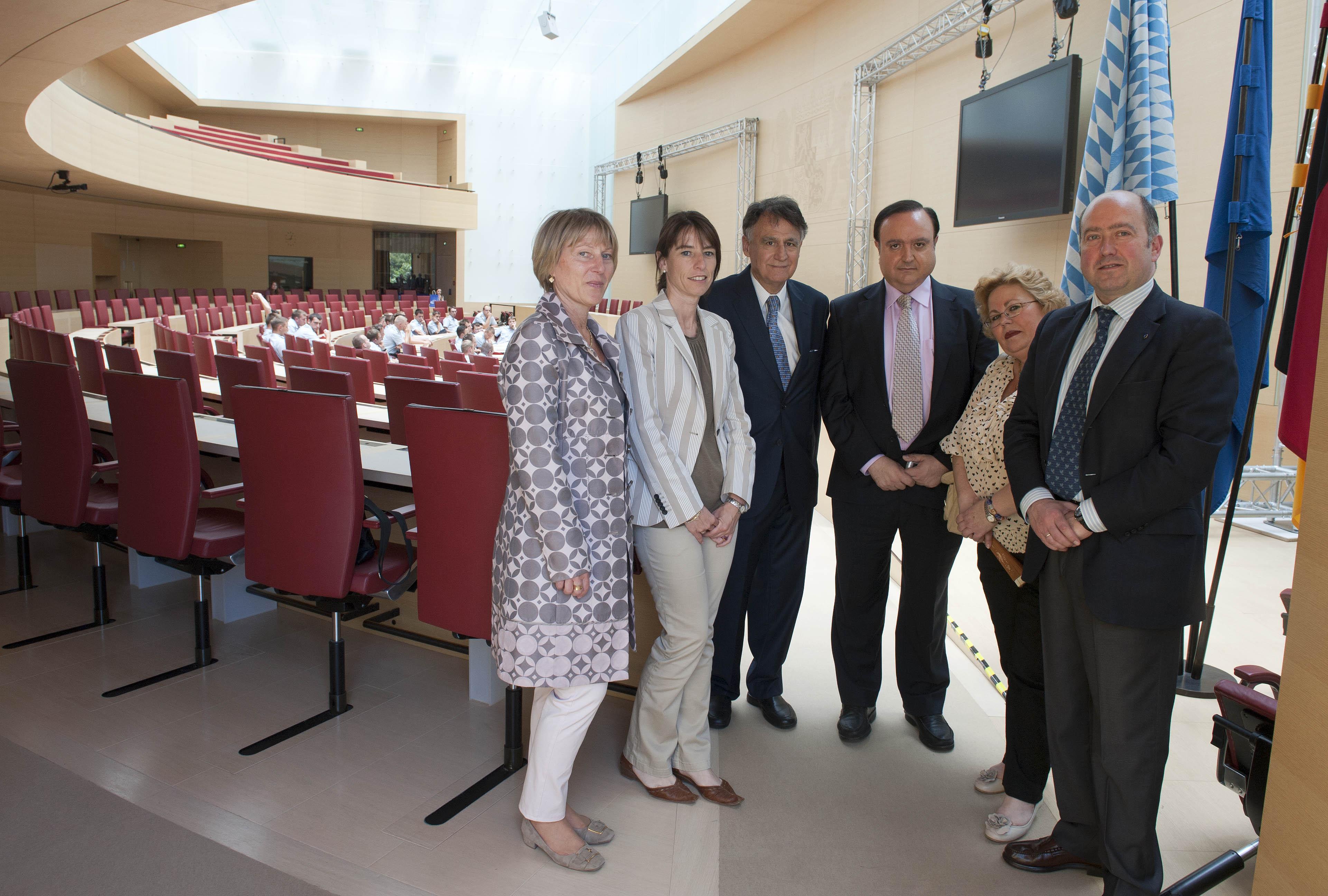 2011_06_07_munich_parlamentarios_parlamento.jpg